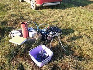 """Mjerenje pH, EC, T i otopljenog kisika pomoću multiparametarske sonde na terenu tijekom uzimanja uzoraka pomoću """"Low-flow"""" pumpe"""