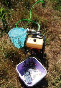 Mjerenje pH, EC, T i otopljenog kisika pomoću multiparametarske sonde na terenu tijekom uzimanja uzoraka pomoću pumpe
