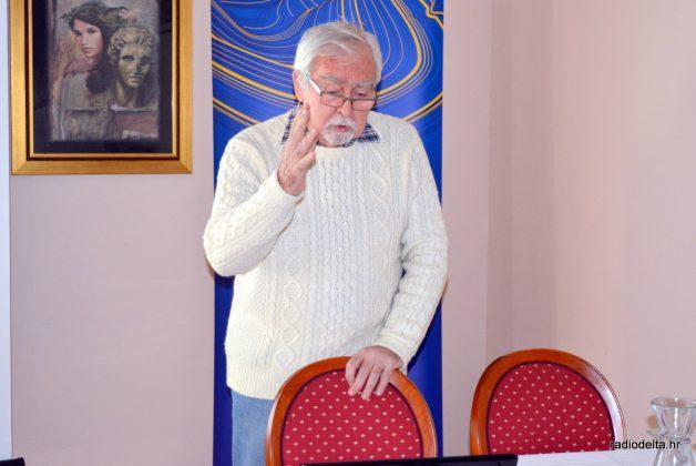 Prof. emeritus Ognjen Bonacci tijekom predavanja (izvor: Radio Delta)