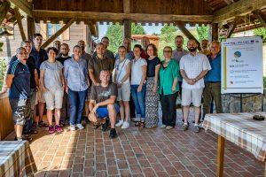 Zajednička fotografija sudionika prve radionice safEarth projekta (3.-7.07.2017., Ribnik, Hrvatska)