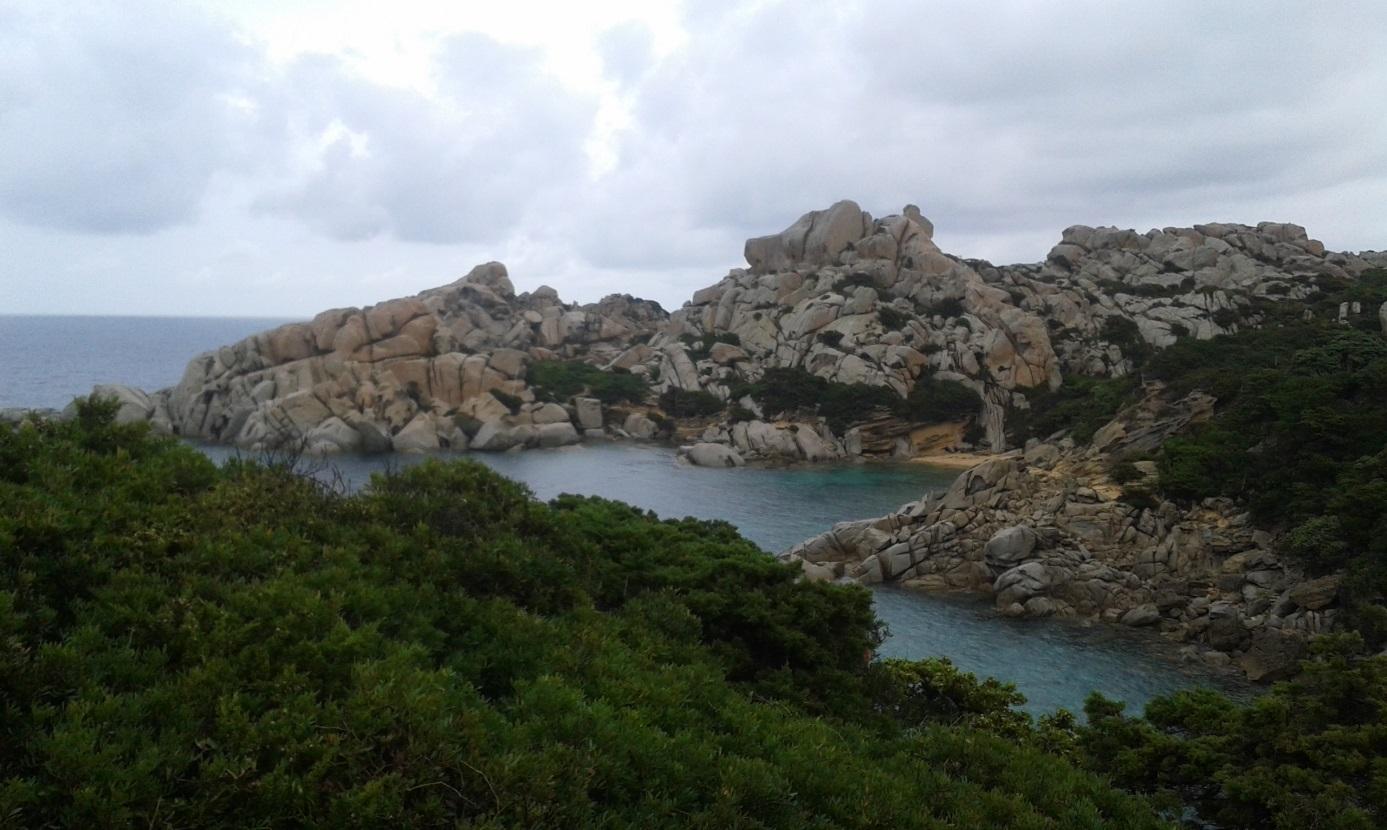 Granitne stijene s MIS 5 dinama.